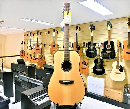 Đàn Guitar thông thường tại Hà Nội