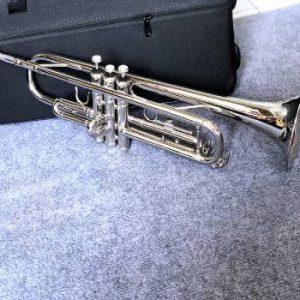 Thiết kế kèn trumpet lazer trắng