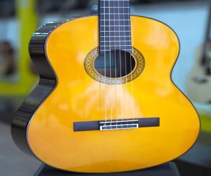 Mua Đàn guitar Yamaha C80